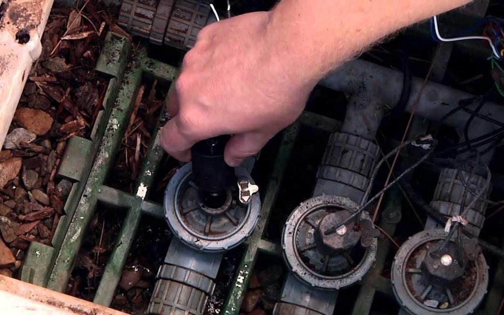 Entretien des électrovannes arrosage à Marrakech    Maintenance of solenoid valves sprinklers in Marrakech   