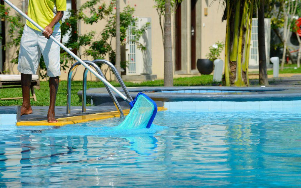 Entretien des piscines à Marrakech || Swimming Pool maintenance in Marrakech
